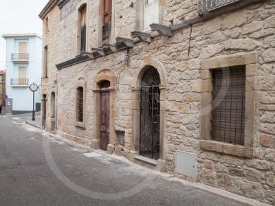 Scano Montiferro, uno scorcio del Corso Vittorio Emanuele (© foto S.Novellu)